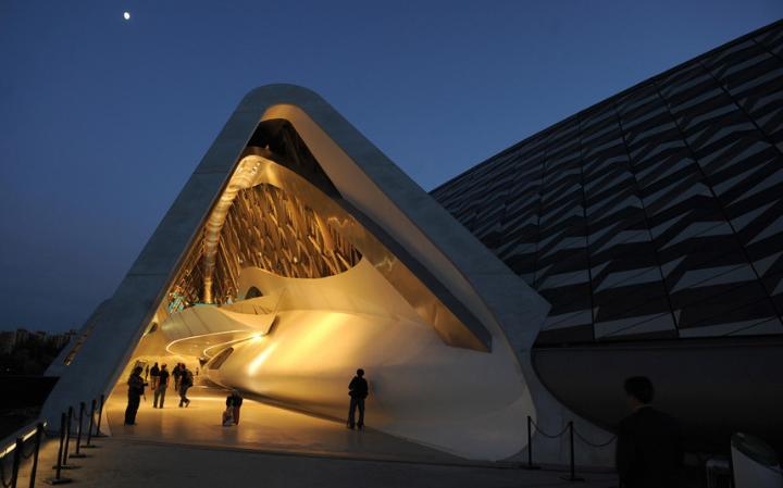 zaha-hadid-Bridge-Pavilion-Zaragoza-2008